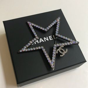 New CHANEL Large Crystal Star Pin